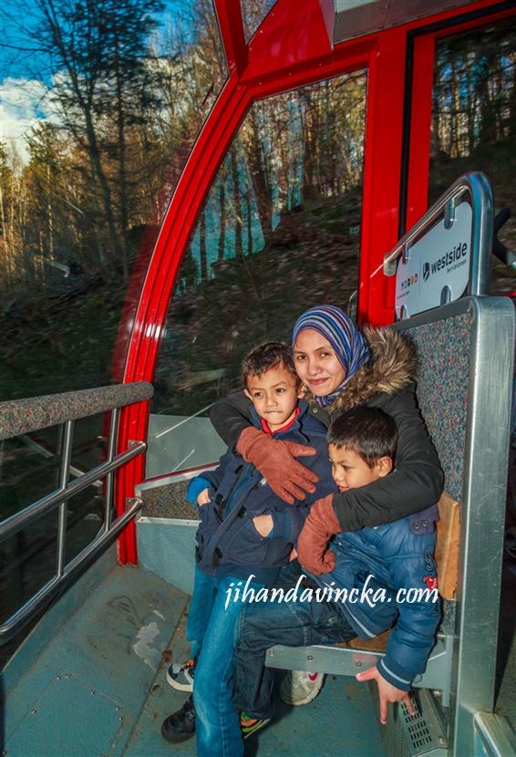 Wisata ke Swiss funicular Gurten Swiss