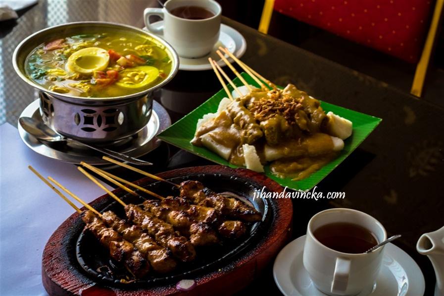 Sate Padang rumah makan Sriwijaya Jeddah foto by Dani Rosyadi