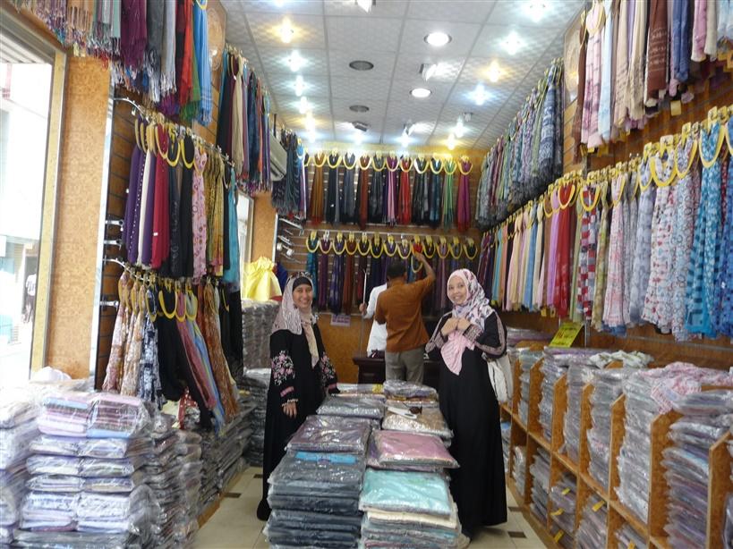 Borong pashmina di Bab Shareef